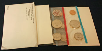 1972 Mint Set open