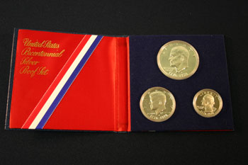 1976 3-Piece Proof Set open to obverse