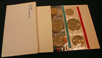 1977 Mint Set open