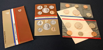 1984 Mint Set opened showing contents