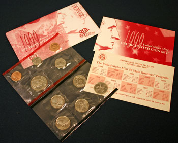 1999 Mint Set denver opened showing coins and contents