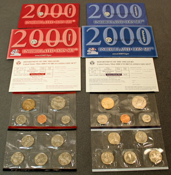 2000 Mint Set opened showing contents and uncirculated coins