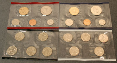 2001 Mint Set obverse view of coins
