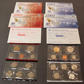 2001 Mint Set opened showing contents
