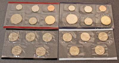 2004 Mint Set reverse view of uncirculated coins