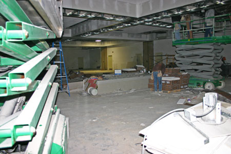Coin show ballroom area from outer doorway 03-14-2010